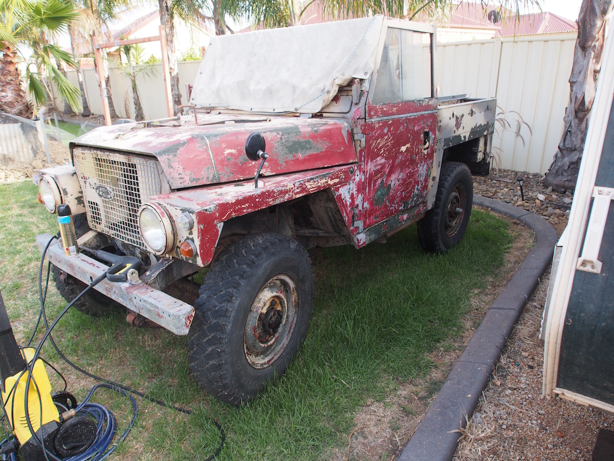 Going Bush Driving Light Wiring Australian Land Rover Owners As Much I Like A Gulf War Paint Scheme It Had To Come Off The Vehicle Was Never Deployed There Also Tested Inverted Chevron Friendly Id On